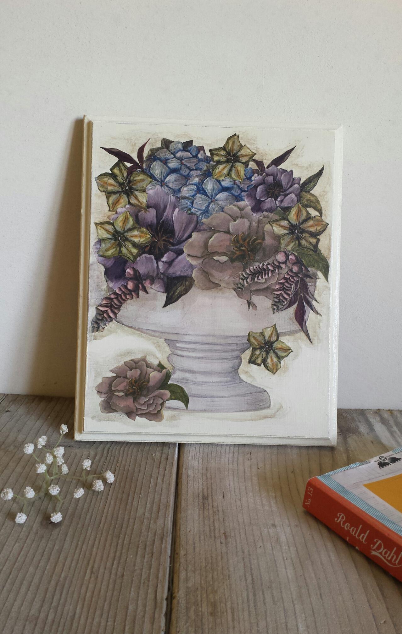 Tavoletta con vaso di fiori lamerendadicharlotte for Fiori con la e