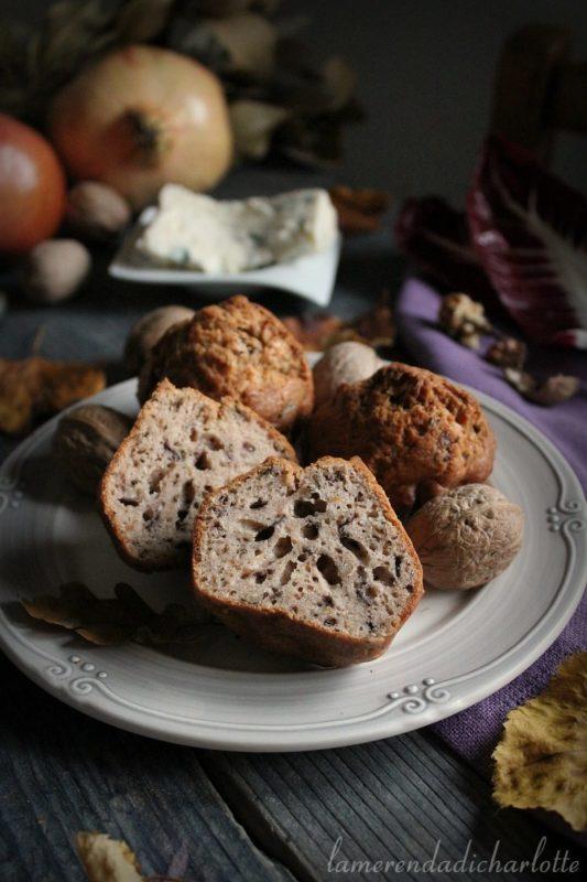 muffin al gorgonzola, radicchio e noci.