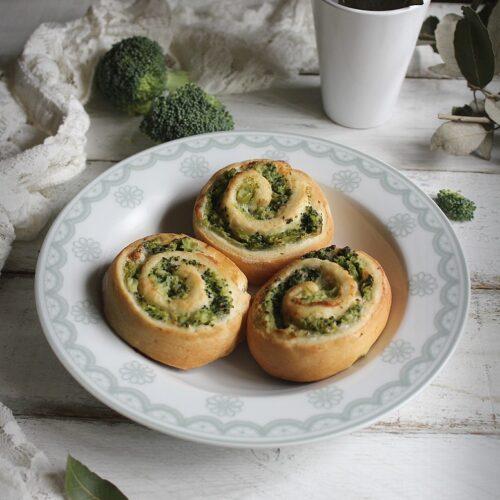 Girelle con broccoli e stracchino