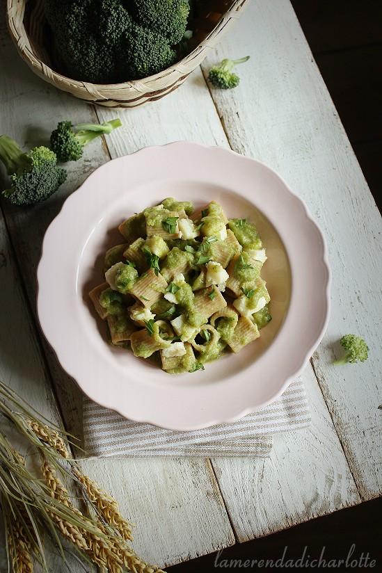 pasta integrale con crema di broccoli e baccalà