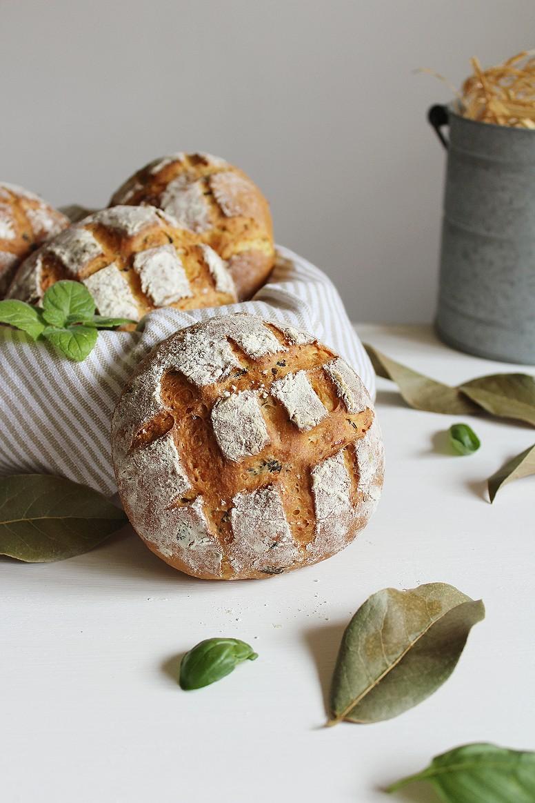 pane al formaggio ed erbette