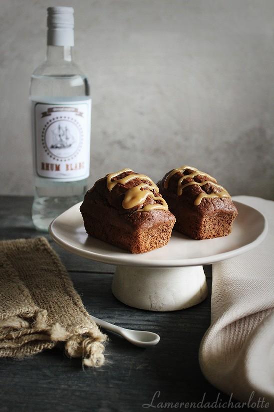 plumcake al rum bianco, cioccolato e glassa al caramello